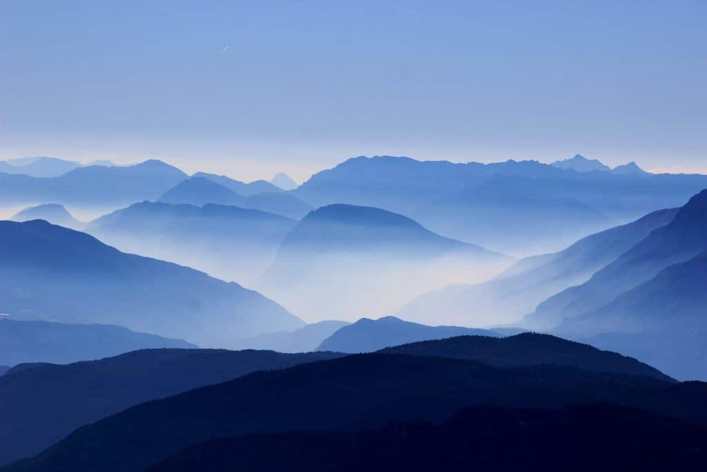 mountains-863474_1920